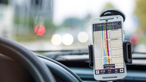img 6564 - La DGT aclara cómo aplicará la nueva multa de 200 euros y 6 puntos por llevar el teléfono móvil en el coche