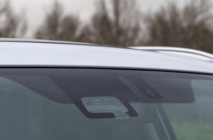Sensores delanteros Suzuki Vitara - Prueba Suzuki Vitara GLX 4x4 Mild Hybrid: Un 4x4 honesto muy capaz