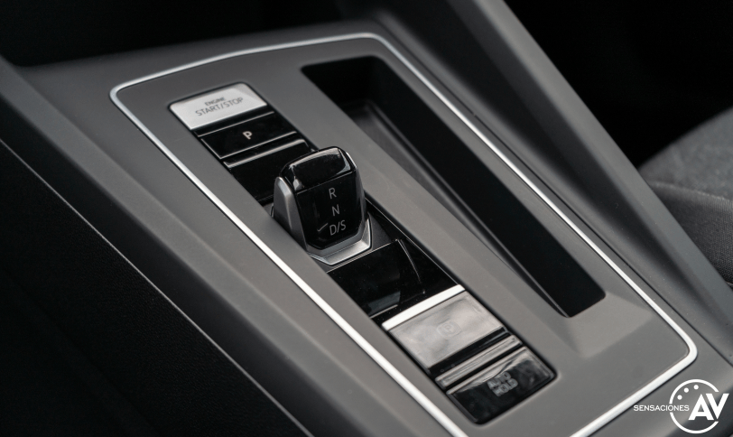 Cambio Volkswagen Golf 8 - Prueba Volkswagen Golf 8 1.5 eTSI 150 CV: ¿El rey con etiqueta ECO?