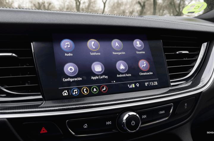 Pantalla multimedia Opel Insignia 2021 - Prueba Opel Insignia 2021 GS Line 2.0T 200 CV: Listo para dar caña
