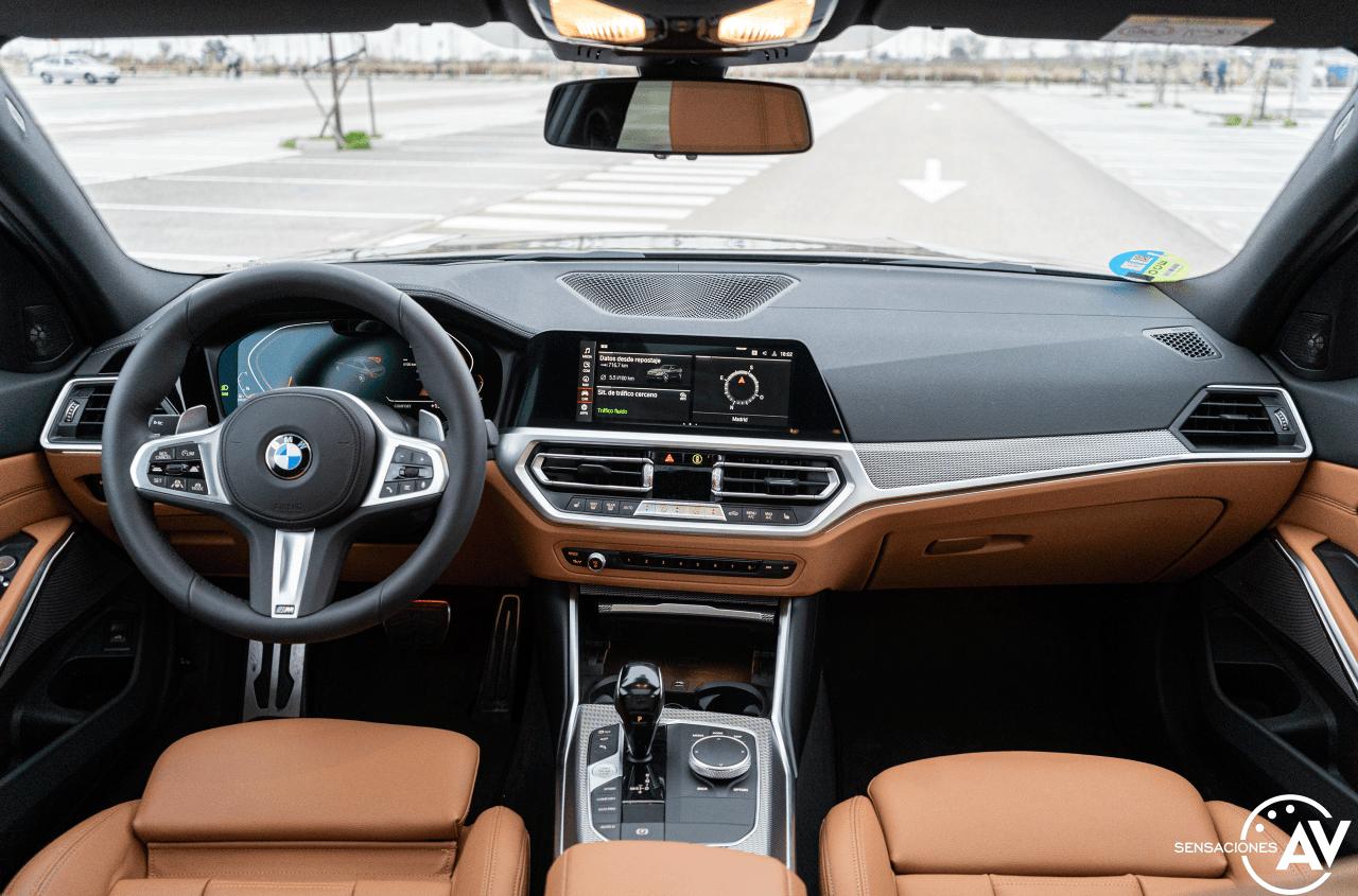 Salpicadero vista frontal BMW Serie 3 320d XDrive M Sport Individual - Prueba BMW Serie 3 320d XDrive: Una berlina deportiva y tecnológica
