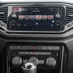 Consola central Volkswagen T Roc - Prueba Volkswagen T-Roc Advance Style 110 CV: ¿Un Killer del Golf?