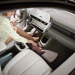IONIQ 009 Lifestyle FlatFloor Model V05 final0222 scaled - Hyundai Ioniq 5: 100% eléctrico de hasta 480 km de autonomía