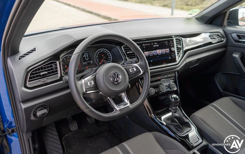 Salpicadero vista izquierda Volkswagen T Roc - Prueba Volkswagen T-Roc Advance Style 110 CV: ¿Un Killer del Golf?