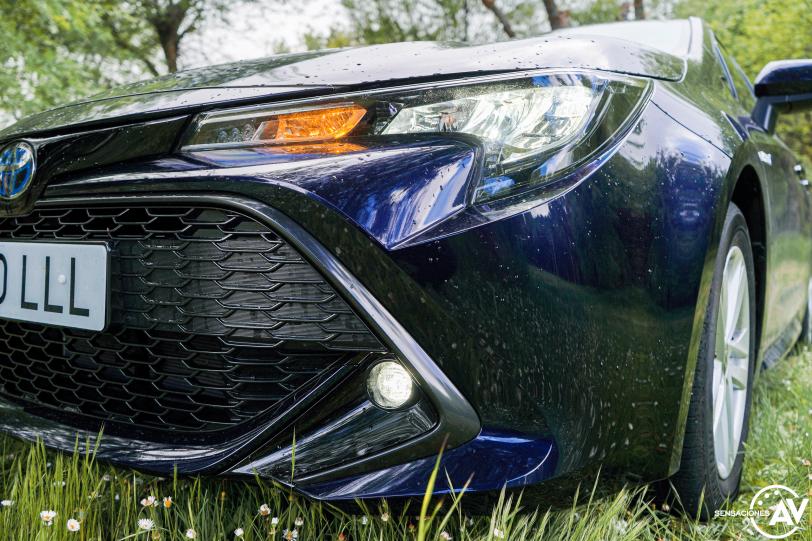 Luces Toyota Corolla - Prueba Toyota Corolla Active Tech 125H 2021: ¿El candidato perfecto? ¿Un Golf Killer?