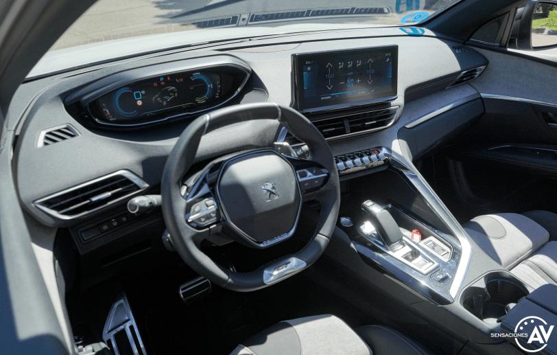 Salpicadero vista izquierda elevada Peugeot 3008 Hybrid4 PHEV - Prueba Peugeot 3008 Hybrid4 2021 GT-Pack: La versión PHEV más radical del SUV francés