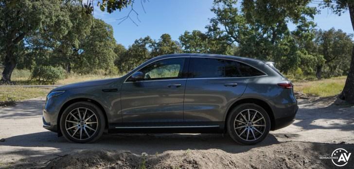 Lateral izquierdo Mercedes EQC - Prueba Mercedes-Benz EQC 400 4Matic: El SUV eléctrico de Mercedes que destaca por su confort y por su tecnología