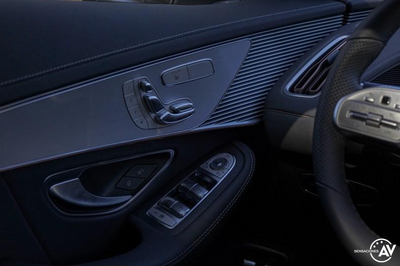 Mandos puertas Mercedes EQC - Prueba Mercedes-Benz EQC 400 4Matic: El SUV eléctrico de Mercedes que destaca por su confort y por su tecnología