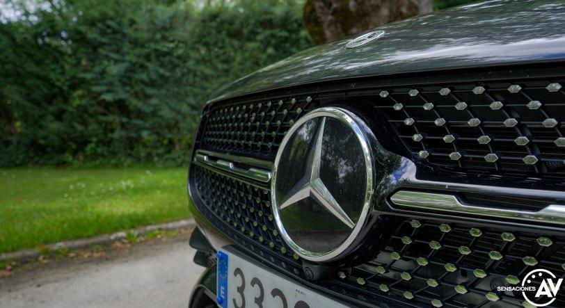 Parilla delantera Mercedes Benz GLC 300de - Prueba Mercedes-Benz GLC 300de 4Matic: Un SUV familiar, híbrido enchufable y diésel ¿Una buena combinación?
