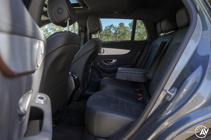 Plazas traseras vista izquierda Mercedes EQC - Prueba Mercedes-Benz EQC 400 4Matic: El SUV eléctrico de Mercedes que destaca por su confort y por su tecnología