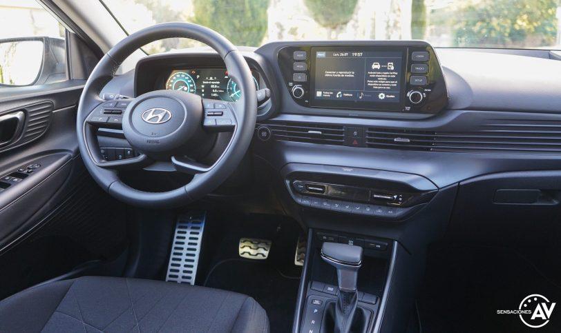 Puesto de conduccion Hyundai Bayon e1628251361169 - Prueba Hyundai Bayon 1.0 TGDi 48 V 100 CV AT Tecno: ¿El nuevo rey del segmento B-SUV?