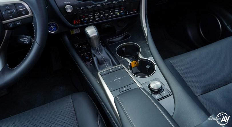Consola central 2 Lexus RXL - Prueba Lexus RX 450hL Executive 2021: ¿El SUV de lujo más cómodo con 7 plazas?