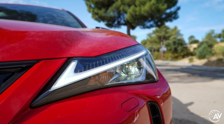 Faro delantero izquierdo Lexus UX 300e - Prueba Lexus UX 300e Business: Lujo, confort, garantía y electricidad todo en uno
