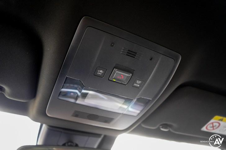Mandos techo Lexus UX 300e - Prueba Lexus UX 300e Business: Lujo, confort, garantía y electricidad todo en uno