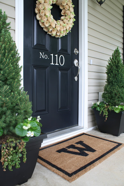 9 Easy Ways to Dress Up Your Front Porch for Spring | Sense & Serendipity | spring porch, spring decor, front porch, easy spring decor, decor ideas, front porch makeover