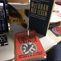Mehr Bücher ist immer besser! #mcluhan - via Instagram