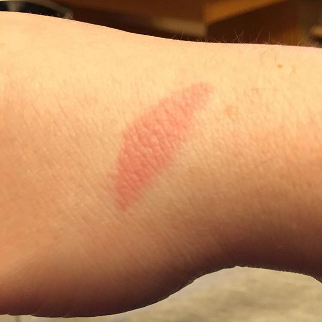 Außerdem am Ofen verbrannt ich Depp 🙄 - via Instagram