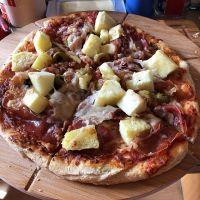 Natürlich nicht ganz so geil wie beim Italiener, aber fast #foodporn #foodphotography #pizza #socialdistancing #bleibzuhause - via Instagram