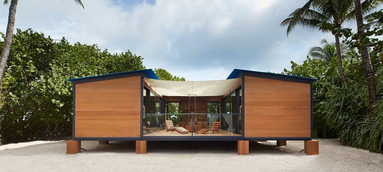 La Maison au Bord de l'Eau, a Project for the Right to Leisure
