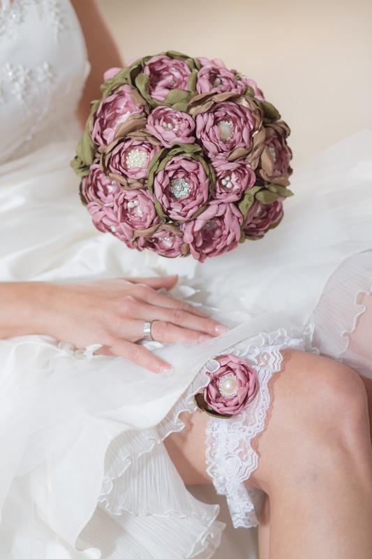 Ein Bouquet mit passendem Strumpfband