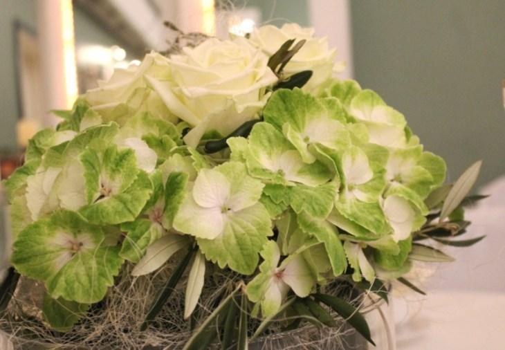 18 Tischdeko Hochzeit grüne Hortensie