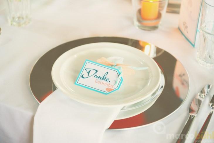 Platzteller und Gastgeschenke Hochzeit pfirsich türkis