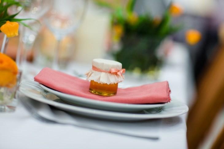 Gastgeschenk Honig Hochzeit orange pfirsich