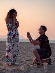 Heiratsantrag Überraschung Mann Frau Paar Strand Kreta Heiratsantrag Planung Hochzeitsplanung Wedding Planning