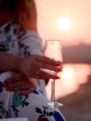 Verlobungsring Braut Verlobte Heiratsantrag Sekt Arrangement Strand Kreta Planung Service Unterstützung