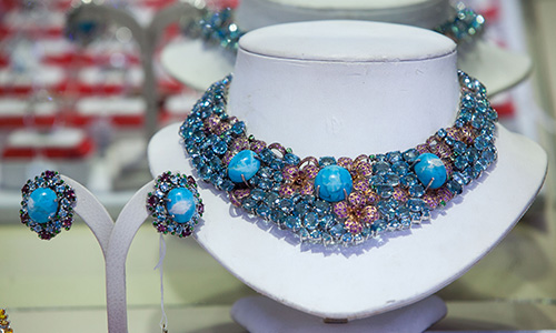 Chanthaburi_Gems-and-jewelry-center_02