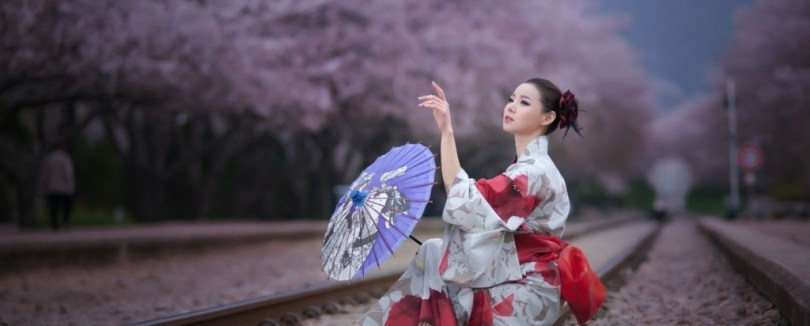 Kimono-Sakura-Japanese-womens-clothing--1440x580