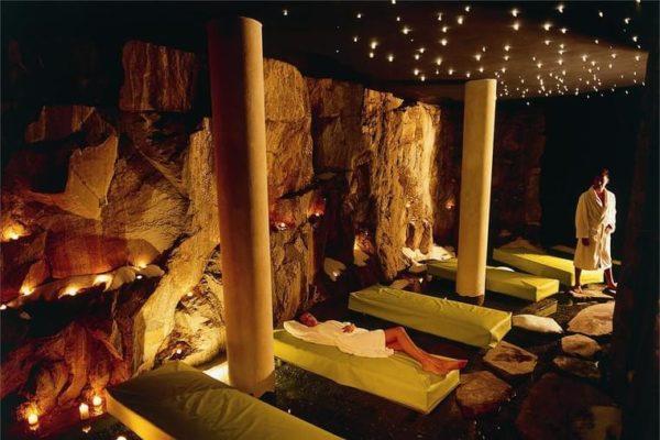 salt-grotto--romantik-hotel-turm-fie-allo-sciliar_