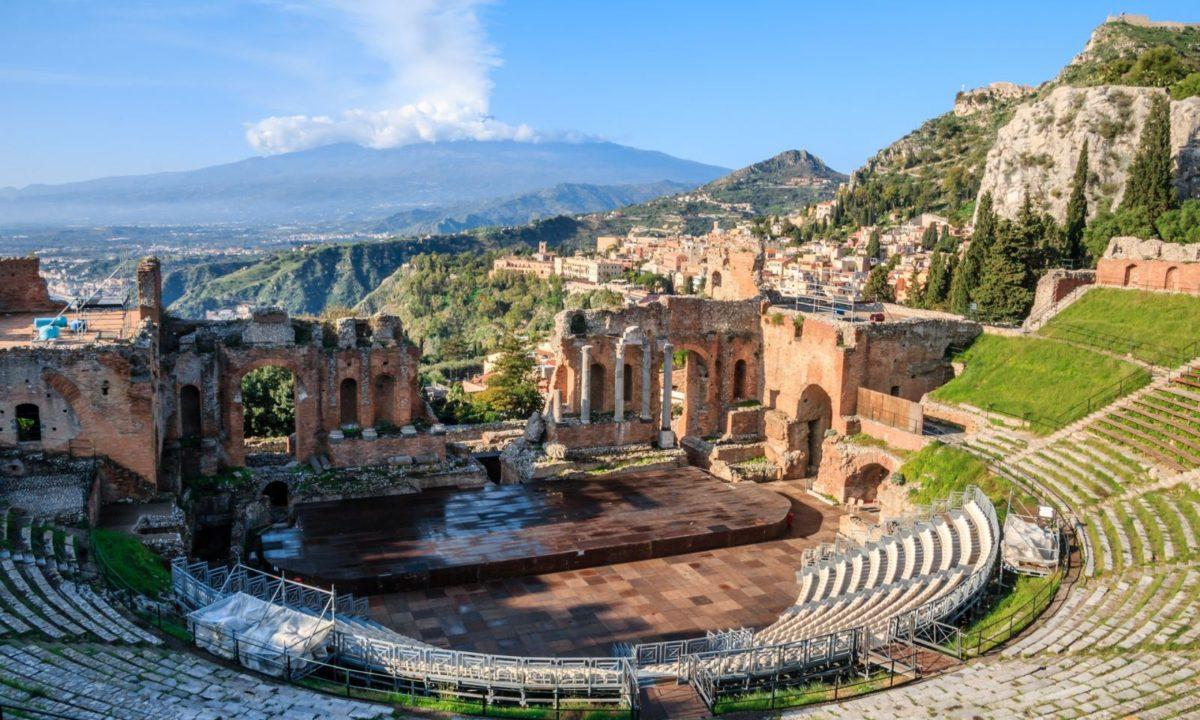 Viaggia con i travel blogger italiani  - Cover