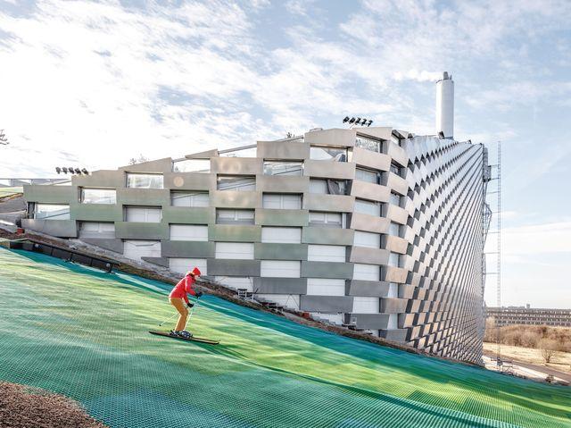 Copenhill: a Copenaghen si scia su una montagna di rifiuti