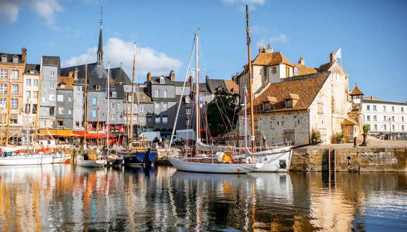 Velieri e pittori impressionisti nella luminosa Normandia