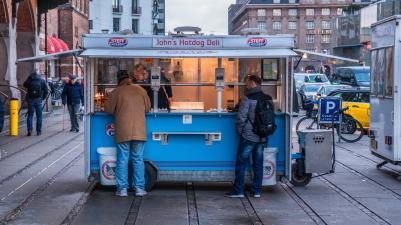hot-dog-danese-il-celebre-panino-compie-100-anni