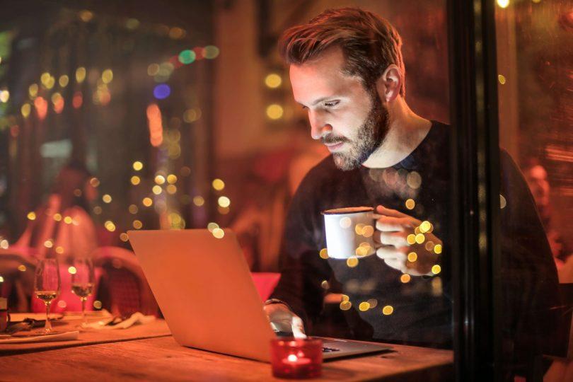cybersex-addiction-lerotismo-virtuale-ai-tempi-della-pandemia