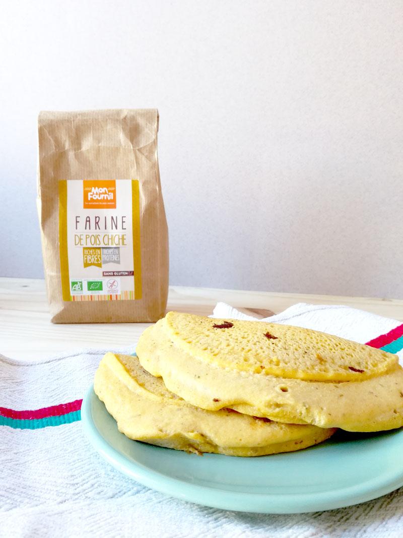 Pour commencer la journée du bon pied, un petit-déjeuner avec une omelette aux pois chiches vegans et sans gluten !