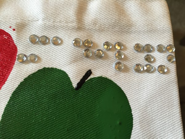 rhinestones used for braille reading