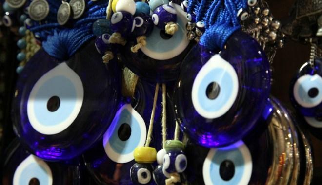Oeil Turc porte-bonheur, Nazar Boncuk, dans le grand bazar d'istanbul