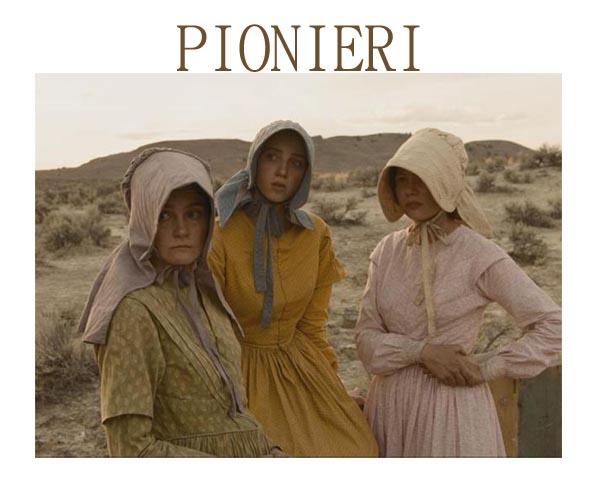 Shirley Henderson, Zoe Kazan e Michelle Williams in MEEK'S CUTOFF di Kelly Reichardt