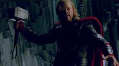 Chris Hemsworth in Thor di Kenneth Branagh