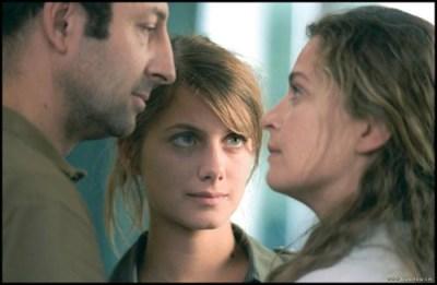 Mélanie Laurent tra Kad Merad e Isabelle Renauld in Je vais bien, ne t'en fais pas