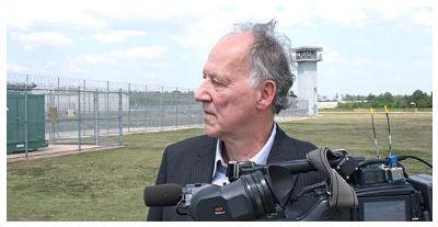 Werner Herzog sul set di Into the Abyss, prime clip e foto