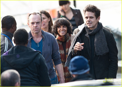 Hugo Weaving, Halle Berry e Tom Tykwer sul set di CLOUD ATLAS