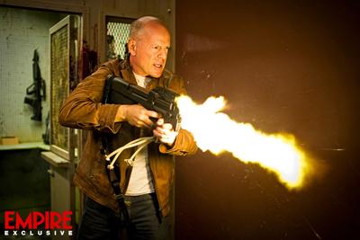 Bruce Willis in LOOPER di Rian Johnson - prima foto