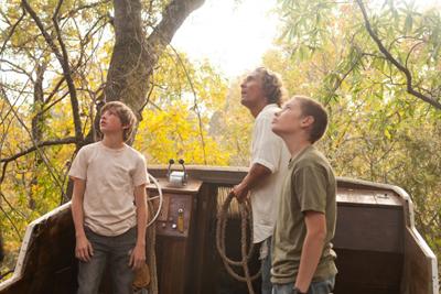 Matthew McConaughey, Tye Sheridan e Jacob Lofland in MUD
