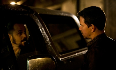 Ribisi e Wahlberg in Contraband