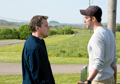 Matt Damon e John Krasinski in PROMISED LAND