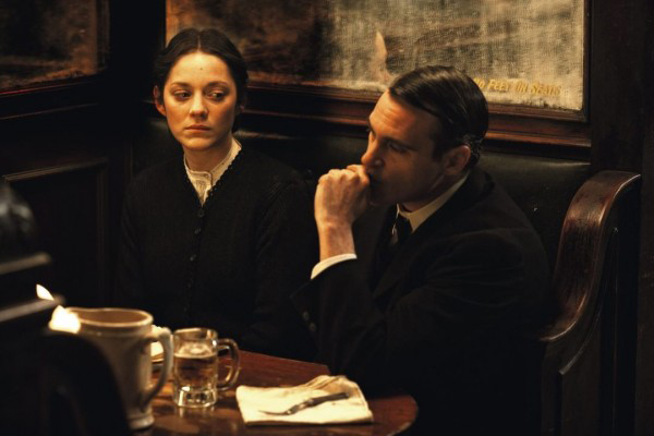 Marion Cotillard e Joaquin Phoenix in NIGHTINGALE: parla James Gray